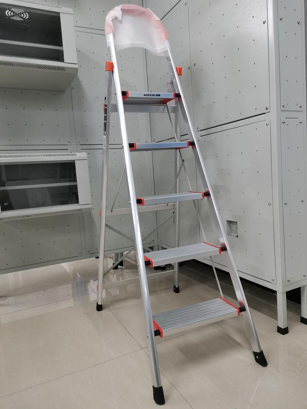重庆工商职业学院综合布线实训室