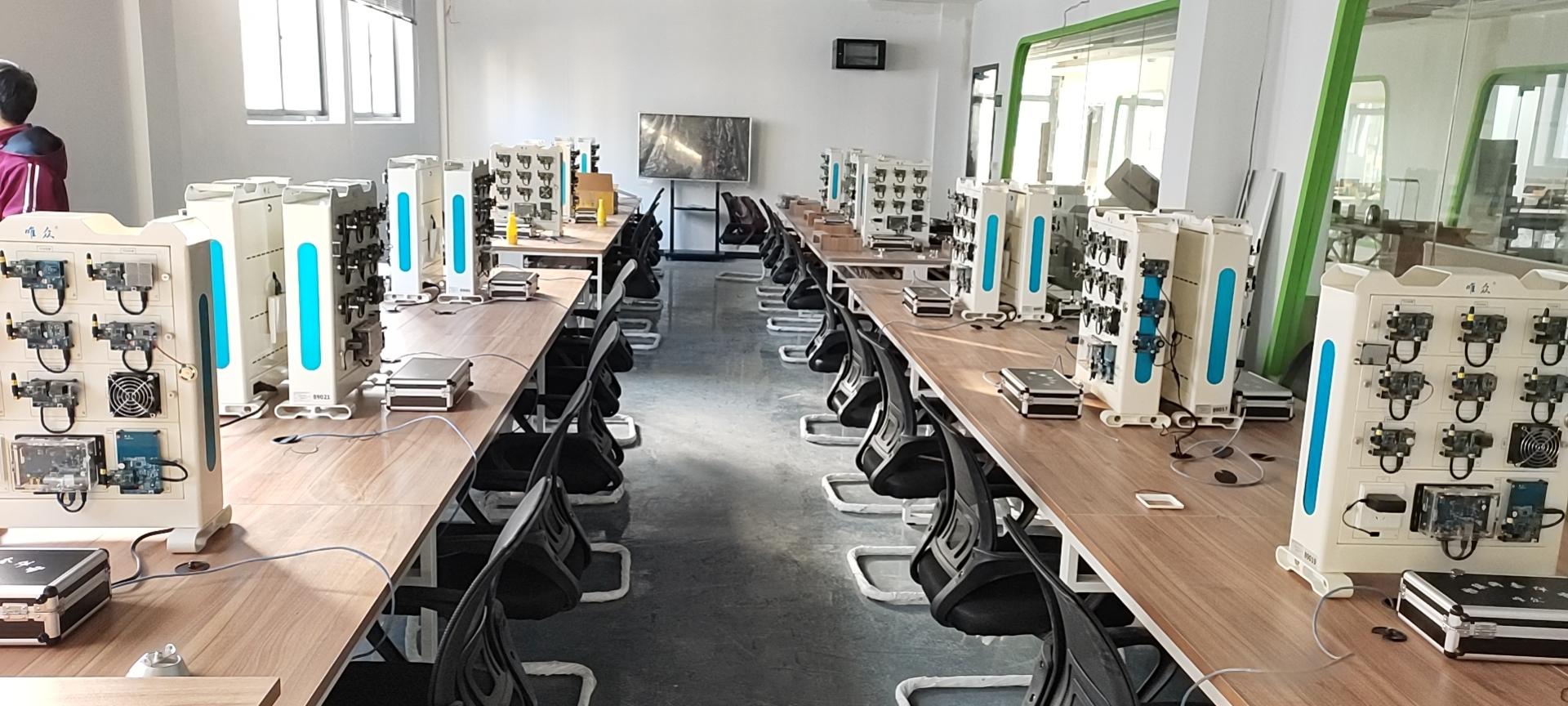 湖北生态工程职业技术学院信息机电学院智慧林业物联网实训室